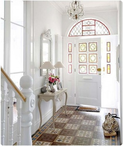 Bright white hall1 420x500 Make an Entrance   Big Ideas for a Small Space