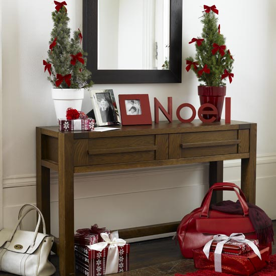 Deck The Halls - 10 Christmas Hallway Decorating Ideas