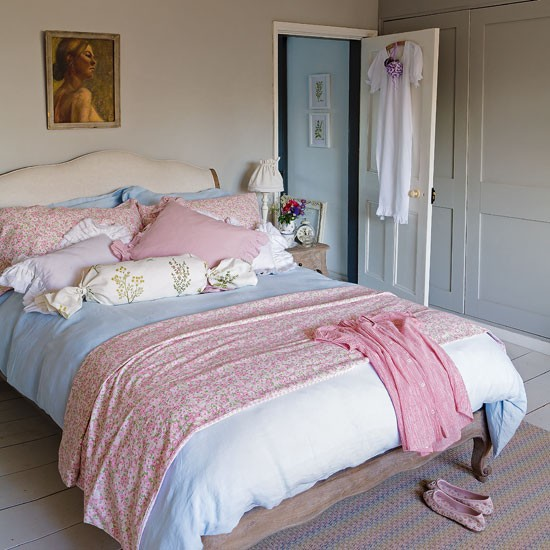 Pretty pastel bedroom Country Homes Interiors2 Shabby Chic Charm