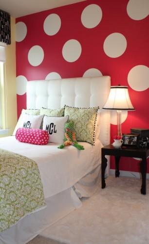 Red polka dot room for tweenager