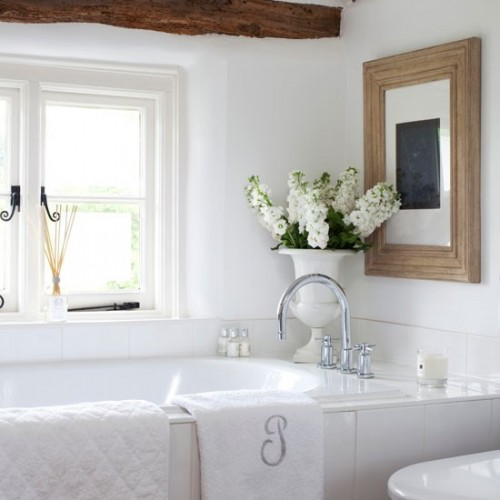 12 small but beautiful bathrooms emerald interiors blog for Pretty bathrooms
