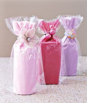 Gift wrapping with cellophane ideas for christmas