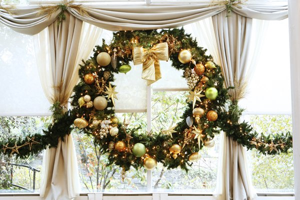 Wringing in this Season with a Spotlight on Wreaths | Emerald ...